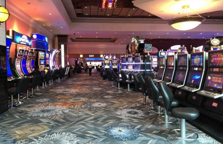 The 10 Rules Of Casino Game